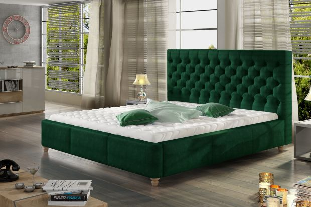 """Łóżko tapicerowane """"Chester"""" trafi w gusta osób zauroczonych aranżacjami w stylu angielskim."""