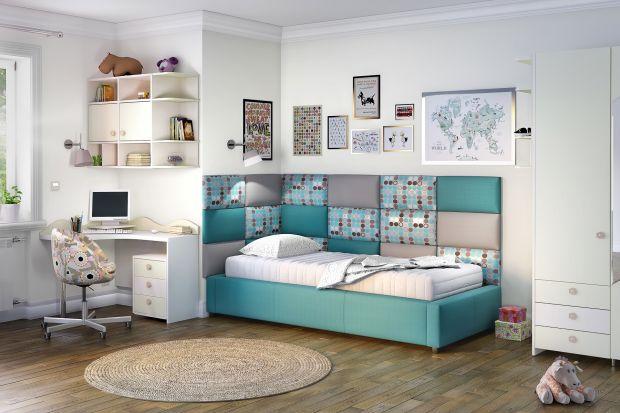Dzięki modułom, którymi można wykończyć przestrzeń wokół dziecięcgo łóżka, stworzymy nie tylko funkcjonalne, ale też niezwykle estetyczne i kreatywne miejsce wypoczynku.