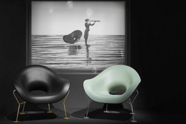 """Zmysłowa elegancja i zaokrąglone linie fotela """"Pupa"""" przywołują na myśl anatomiczne kształty. Autorem nietypowego projektu jest włoski designer Andrea Branzi."""