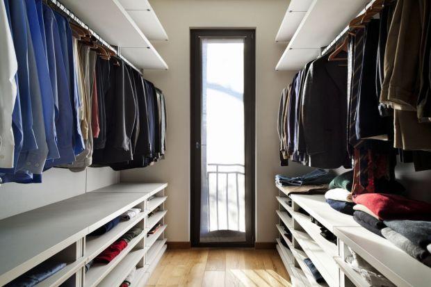 Praktyczna garderoba - na co zwrócić uwagę przy jej projekcie?