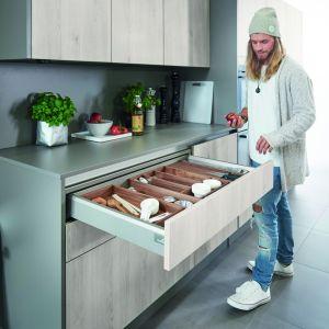 Organizer pozwoli na efektywne wykorzystanie miejsca w szufladzie. Fot. Hettich