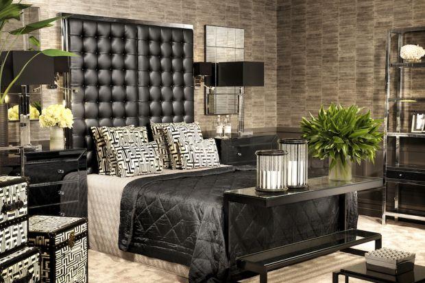 Styl nowojorski kojarzy się z wysmakowaną elegancją i luksusem. Zaaranżowana w ten sposób sypialnia będzie wyjątkowym pomieszczeniem i prawdziwą ozdobą każdego domu.