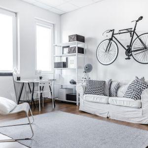 W niewielkim mieszkaniu należy wykorzystać każdą dostępną powierzchnię. Fot. Fischer