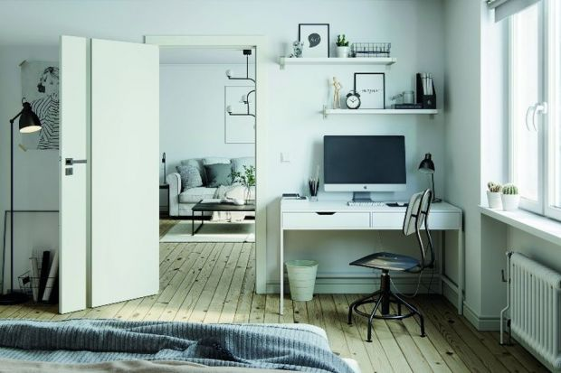 Domowe biuro można urządzić niemal w każdym pomieszczeniu, w zależności od naszych preferencji i stylu życia. Nawet w niewielkim mieszkaniu można wygospodarować miejsce, w którym będziemy mogli skoncentrować się na pracy.