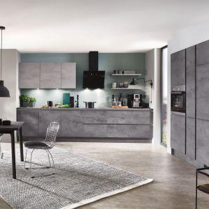 "Szarość w wersji ""betonowej"" - kuchnia ""Riva"" firmy Verle Kuchen. Fot. Verle Kuchen"