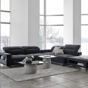 Dużo szarości, surowość wnętrza - to styl loftowy. Fot. BoConcept