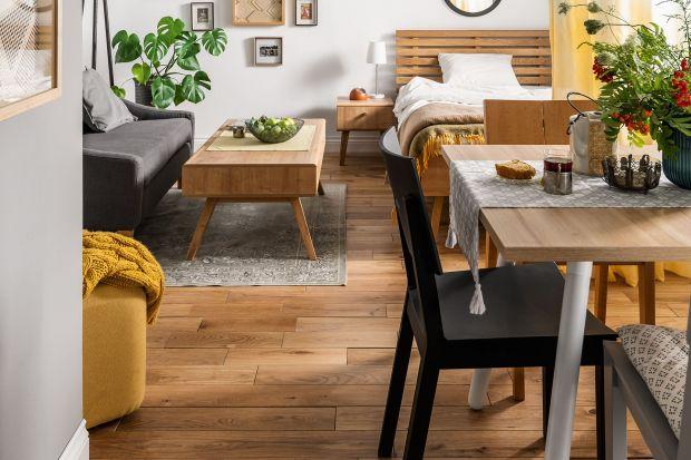 W każdym, nawet najmniejszym mieszkaniu warto wygospodarować kącik do wspólnego spożywania posiłków. Powinien być funkcjonalny, łatwo dostępny i estetycznie zaaranżowany. Pomogą w tym odpowiednie meble o niewielkich gabarytach.
