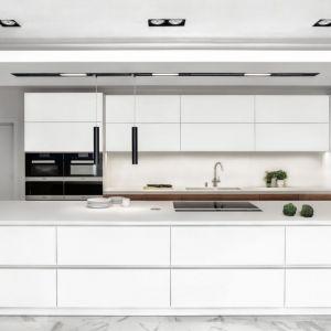 Systemy push to open szczególnie sprawdzają się w zabudowach kuchennych. Fot. Zajc