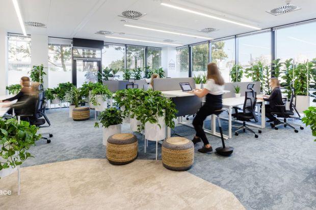 W otoczeniu natury doskonale odpoczywamy, integrujemy zmysły, czujemy się naturalnie i komfortowo. Nic dziwnego, że coraz częściej wykorzystujemy rośliny także do tworzenia zdrowej przestrzeni pracy.