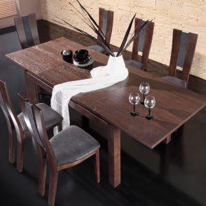 Stół i krzesła z kolekcji Corino. Fot. Mebin