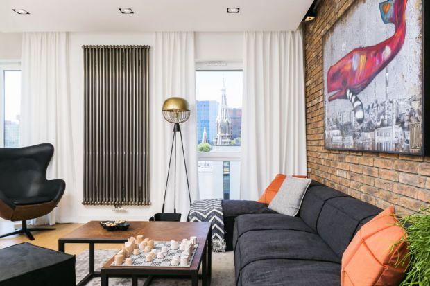 Jak połączyć zamiłowanie do pofabrycznej tradycji miasta i jego surowego klimatu z uwielbieniem dla minimalizmu i współczesnego designu, mając do dyspozycji jedynie 50 m2? Odpowiedzi na tak postawione pytanie szukali architekci z pracowni 3DProjekt