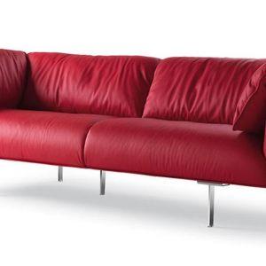 "Sofa ""John-john"" firmy Poltrona Frau. Projekt: Jean-Marie Massaud. Fot. Poltrona Frau"