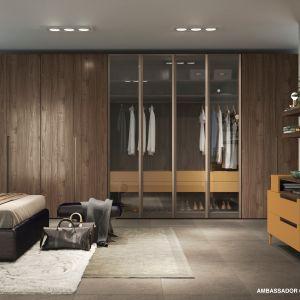 """Aranżacja sypialni, w której wykorzystano dekor """"Ambassador"""" (Interprint). Fot. Interprint"""