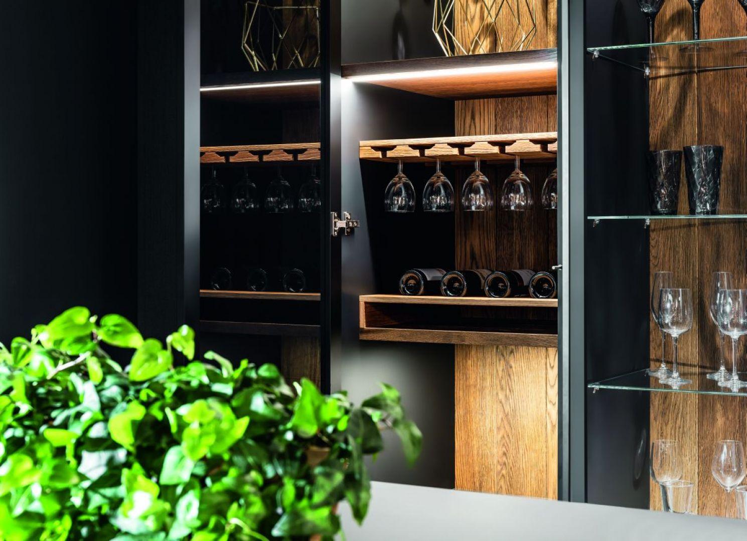 Półka na wino w kuchni