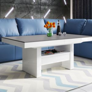 "Stół ""Aversa Lux"" (Hubertus Design) z matowym blatem. Fot. Hubertus Design"