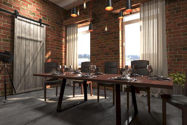 Jeśli lubicie styl loftowy, pomyślcie o wprowadzenie jego elementów do jadalni. Wbrew pozorom wcale nie musi to być duże wnętrze, ważne jednak, by sprawiało wrażenie przestronnego.