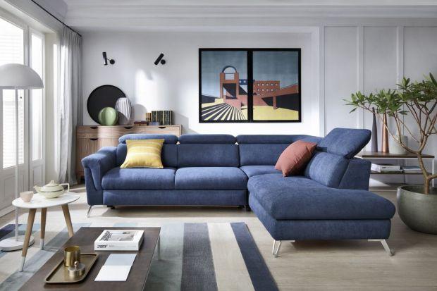 Błękitna lub turkusowa sofa, granatowe fronty w kuchni, niebieski fotel... Większe lub mniejsze elementy w odcieniach koloru niebieskiego wprowadzają do wnętrza świeżość i podkreślają jego nowoczesny charakter.