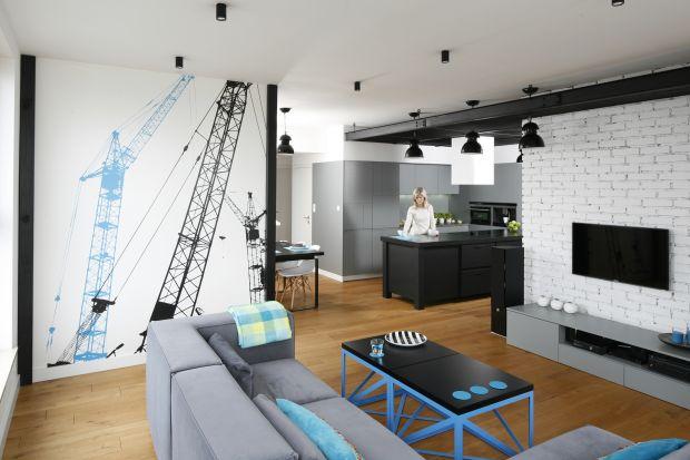 Klimaty loftowe coraz częściej pojawiają się jako motyw przewodni w modnych wnętrzach. Lubimy je za wrażenie luzu i przestrzeni, za wykorzystanie naturalnych materiałów, stonowanych kolorów i industrialnych elementów dekoracyjnych.