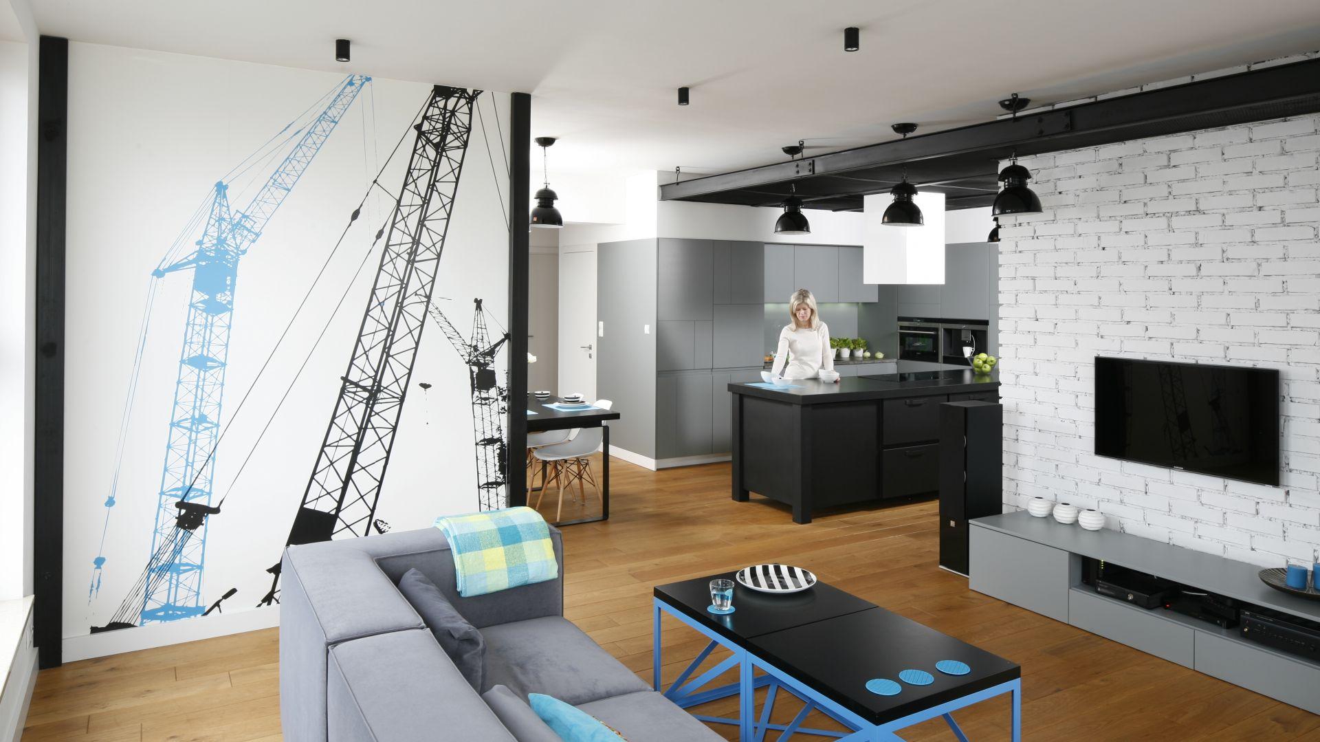 Wnętrze w stylu loft. Projekt Monika i Adam Bronikowscy. Fot. Bartosz Jarosz