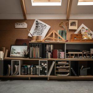 Meble, oświetlenie i dodatki pomagają wykreować miejsce dostosowane do potrzeb osób pracujących w domu. Fot. Vox