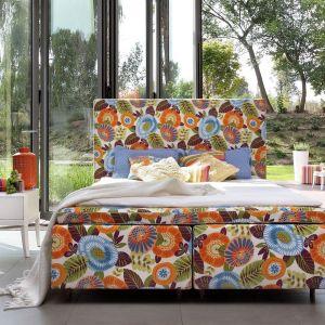 """Łóżko """"Duke Flower Power"""" marki Swarzędz Home. Fot. Swarzędz Home"""