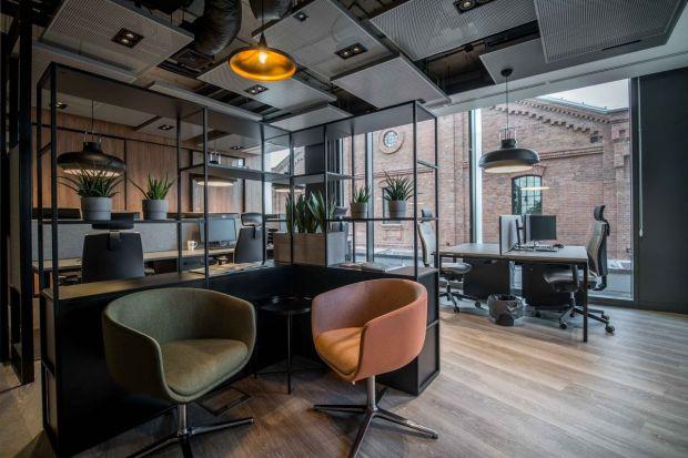 Nowe biuro Stalgast pokazuje, jak w oryginalny sposób można połączyć funkcjonalność, pomysł projektowy, profil działalności firmy oraz tkankę architektoniczną aranżowanego obiektu.