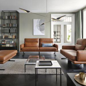 W dużym salonie można ustawiać meble stosownie do potrzeb. Kolekcja Genova. Fot. Gala Collezione