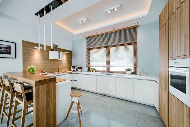 Kuchnia z dużym oknem - jak ją funkcjonalnie zaaranżować