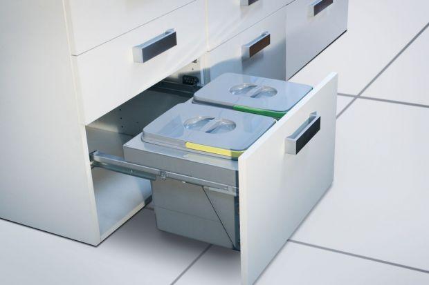 Przepisy dotyczące segregacji odpadów wymusiły zmiany w organizacji przestrzeni kuchennej. W tej sytuacji niezwykle przydatne bywają profesjonalne segregatory.