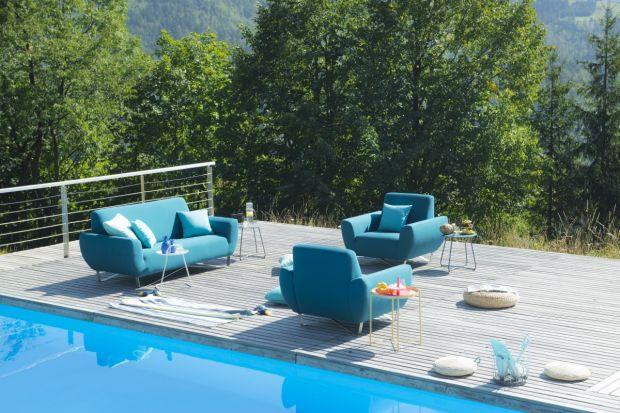 Słoneczne dni i ciepłe wieczory sprzyjają relaksowi w ogrodzie lub na tarasie. Aby w pełni cieszyć się odpoczynkiem pod gołym niebem, warto zadbać o odpowiednią oprawę, czyli wygodne, odporne i ładne meble zewnętrzne.