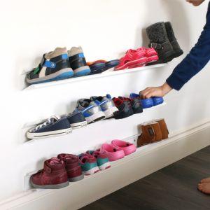 Półki do przechowywania butów na ścianie. Fot. Design my Home