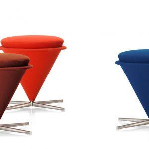 "Stołki ""Cone"" firmy Vitra. Projekt: Werner Panton. Fot. Vitra"
