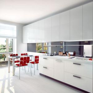 Dzięki właściwościom aluminium możliwe jest nie tylko uzyskanie pożądanych kształtów i kombinacji, ale również formy wykończenia produktu. Fot. Hydro Extrusion Poland