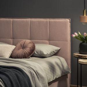 Łóżko tapicerowane Cortina z pikowanym zagłówkiem. Fot. Comforteo