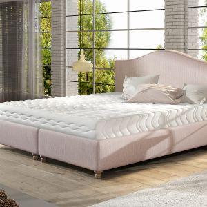 Łóżko tapicerowane Clara marki Comforteo. Fot. Comforteo