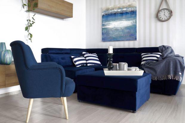 Decydując się na kupno sofy, narożnika bądź fotela, zwracamy uwagę przede wszystkim na ich modny kształt. Warto jednak uwzględnić też rodzaj tkaniny wykorzystanej do wykończenia mebla.