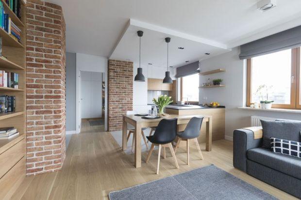 Otwarte przestrzenie dzienne dają wiele możliwości aranżacyjnych. Wymagają jednak pogodzenia odmiennych funkcji w obrębie tego samego pomieszczenia. Jak to zrobić, radzi architekt wnętrz Małgorzata Górska-Niwińska z Pracowni Architektonicznej M