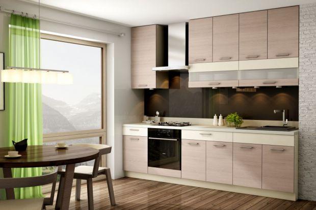Zabudowanie niewielkiej kuchni to dla projektanta twardy orzech do zgryzienia. Jak bowiem optymalnie wykorzystać jej przestrzeń? Z wyzwaniem tym trzeba się jednak zmierzyć, zważywszy na fakt, że wielu Polaków jest właścicielami właśnie małych