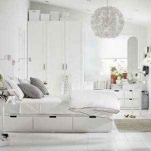 Sypialnia w stylu Hampton według IKEA. Fot. IKEA