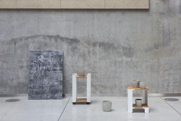 Oszczędne formy pozbawione zdobień, maksymalizacja funkcji i lekka konstrukcja to znaki rozpoznawcze kolekcji stolików stworzonych przez młodą polską markę meblową My Modern Home.