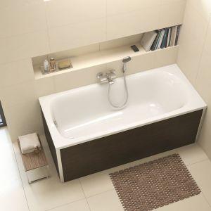 Model Koło Spark to mała wanna o pojemności ok. 150 l, wewnętrzne oparcie pleców gwarantuje wygodę kąpieli. Fot. Koło