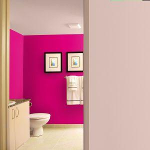 Dekoral Łazienka & Kuchnia marki Dekoral to emulsja lateksowa do pomieszczeń narażonych na wilgoć, odporna na szorowanie, plamy, zabezpiecza ścianę przed działaniem wilgoci oraz rozwojem grzybów pleśniowych. Pachnie podczas malowania, w 20 kolorach. Fot. Dekoral