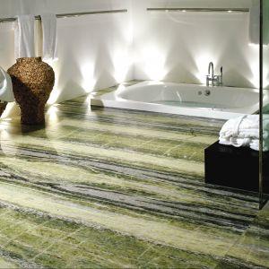 Marmury z wyrazistymi żyłowaniami, w tym naśladującymi drewno – Irish Green, Sequoia Brown, Copper  Dune firmy Antolini Luigi. Fot. Antolini Luigi