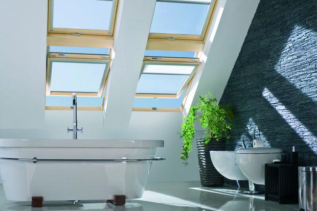 Coraz częściej urządzamy łazienki na poddaszu, w pomieszczeniach z oknem dachowym. Takie okna powinny być szczególnie odporne na działanie wilgoci.