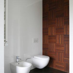 Ceramika sanitarna z oferty Villeroy&Boch, bateria bidetowa marki Steinberg. Fot. Bartosz Jarosz