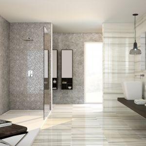Propozycja Marazzi: kolekcja Perseo to płytki w kolorach brązów i beżów uzupełnione o elementy dekoracyjne takie jak mozaika w czekoladowych odcieniach brązu, zastosowana we wnęce prysznicowej. Fot. Marazzi