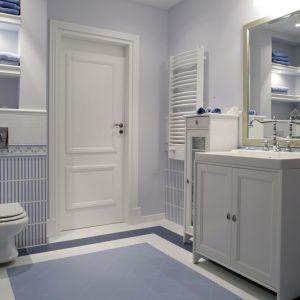 Salon kąpielowy łączy elementy wystroju retro, prowansalskiego, rustykalnego oraz klasycznego. Fot. Monika Filipiuk-Obałek