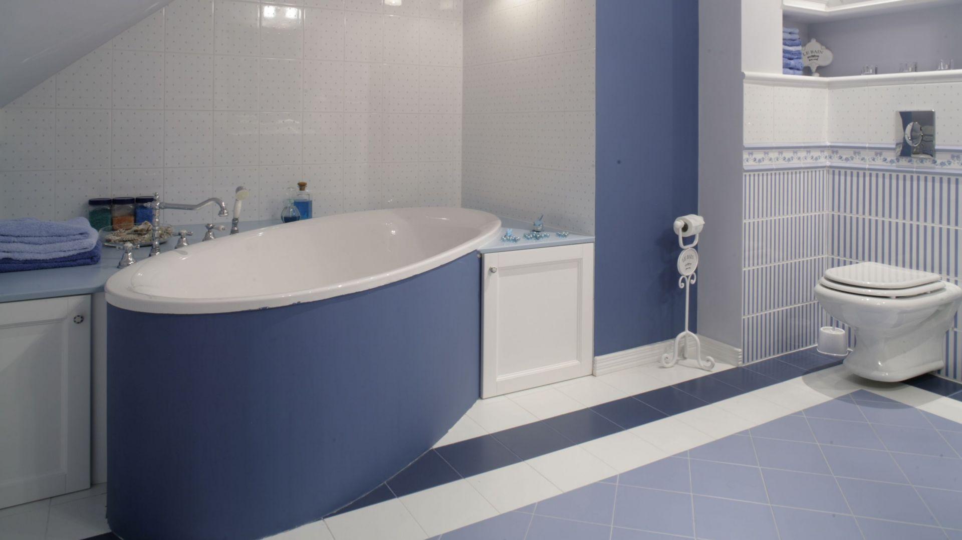 """Piękny pokój kąpielowy, to bardziej domowe """"spa"""" niż tradycyjna łazienka, w której zwykle szybko wykonujemy wszystkie zabiegi i pędzimy dalej. Fot. Monika Filipiuk-Obałek"""