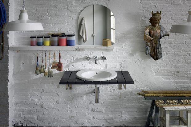 Urządzaj z artystycznym zacięciem – zobacz jak rzeźby dekorują łazienkę
