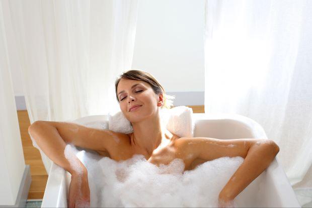 Aromaterapia w twojej łazience. Wypróbuj 5 przepisów z olejkiem pomarańczowym